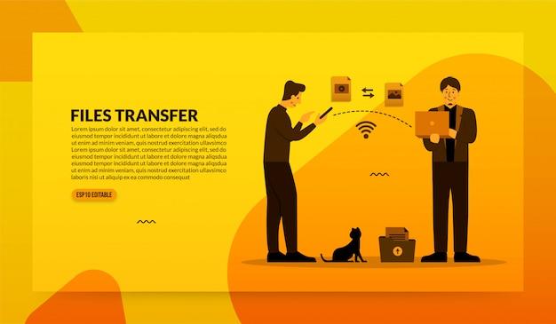 Dois empresários transferindo arquivos