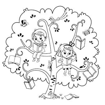 Dois filhos fofos, um menino e uma menina lendo um livro na árvore dos livros preto e branco