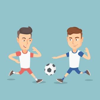 Dois jogadores de futebol masculino que lutam por uma bola.