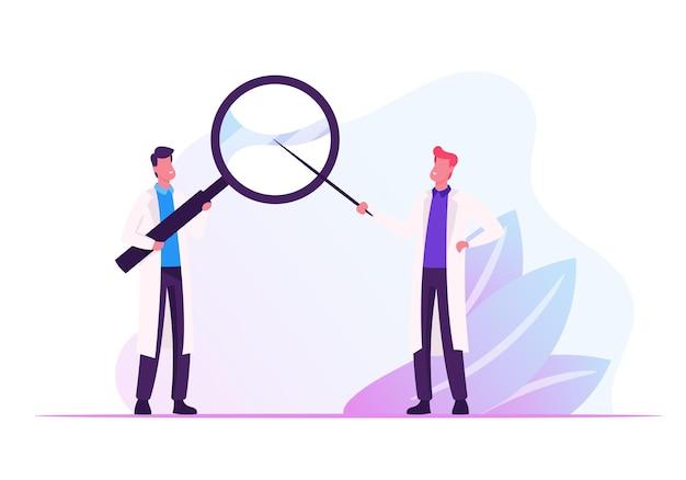 Dois médicos do sexo masculino com manto médico segurando uma enorme lupa nas mãos, apontando através do vidro. ilustração plana dos desenhos animados