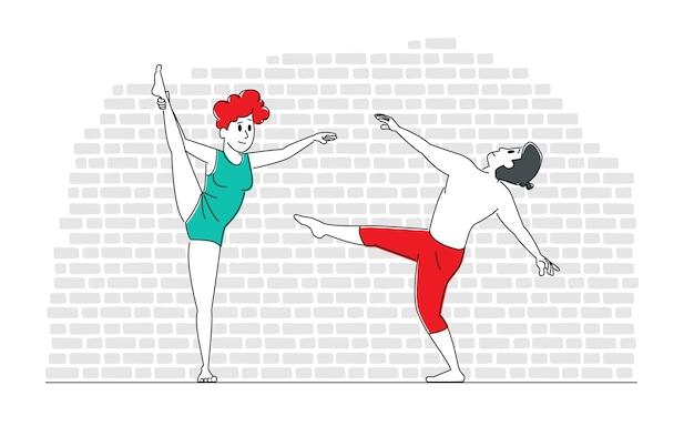 Dois personagens masculinos e femininos em roupas esportivas realizam acrobacias