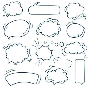 Doodle bolhas do discurso em branco. conjunto de discurso em quadrinhos da bolha. conjunto desenhado à mão de balões de fala isolados