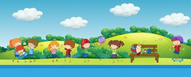Doodle crianças brincando no parque