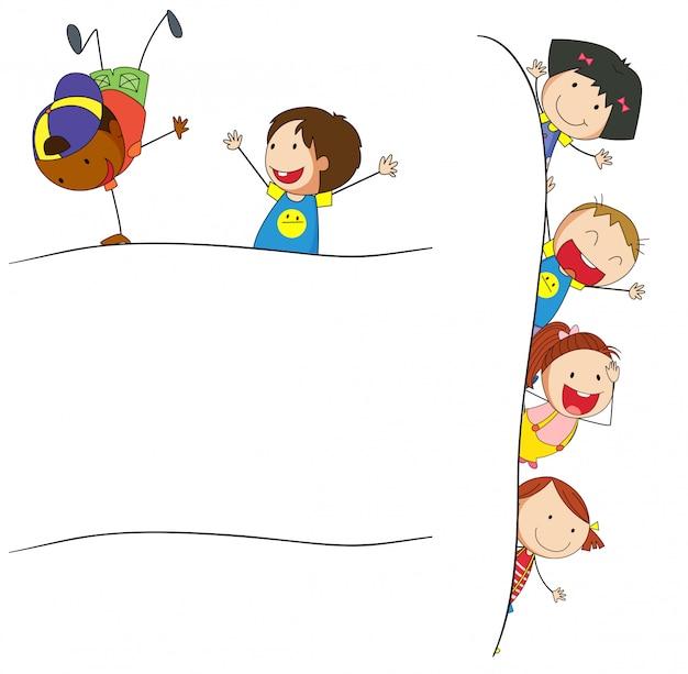Doodle crianças no modelo em branco