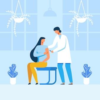 Doutor masculino, fazer, injeção, para, femininas, paciente