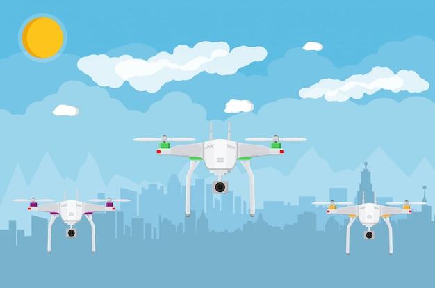 Drone aéreo controlado remotamente no céu