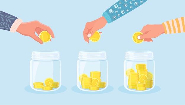 Economize dinheiro em uma jarra de vidro. mão jogue moedas de ouro no mealheiro. depósitos de poupança. investimento na aposentadoria. riqueza, conceito de renda. dinheiro caindo na garrafa
