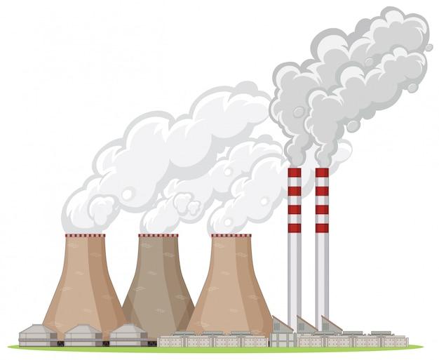 Edifício da fábrica com fumaça