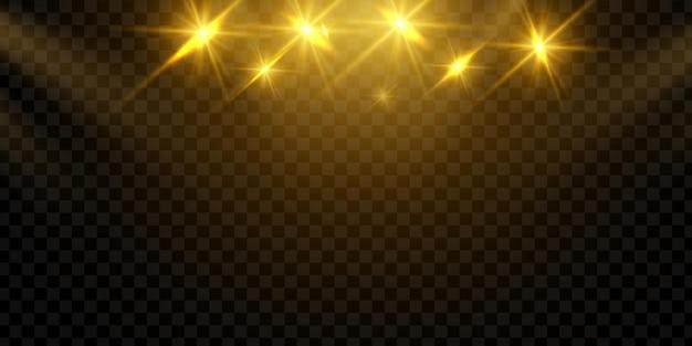 Efeito de luz especial spotlight brilhante. isolado em fundo preto transparente.