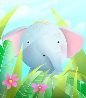 Elefante bebê fofo na savana, sentado na grama com flores e o céu azul.