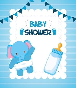 Elefante com garrafa de leite para cartão de chuveiro de bebê