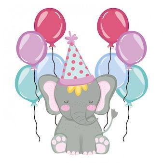 Elefante fofo e pequeno com chapéu de festa