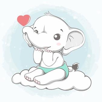 Elefante fofo sente-se na nuvem com mão de desenho animado coração vermelho desenhada