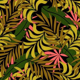 Elegante padrão tropical sem costura com plantas bege brilhantes e folhas em um fundo escuro