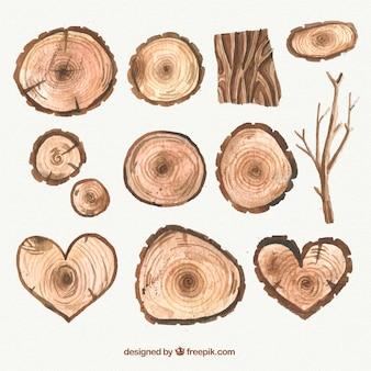 Elementos de madeira pintados à mão