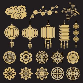 Elementos decorativos chineses e japoneses tradicionais isolados no preto