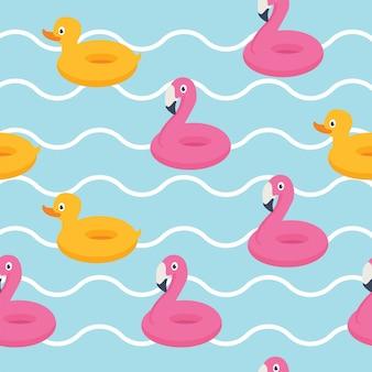 Em férias de verão, flamingo rosa e pato amarelo