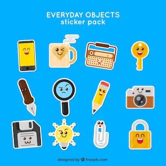 Embalagem de etiquetas de objetos engraçados