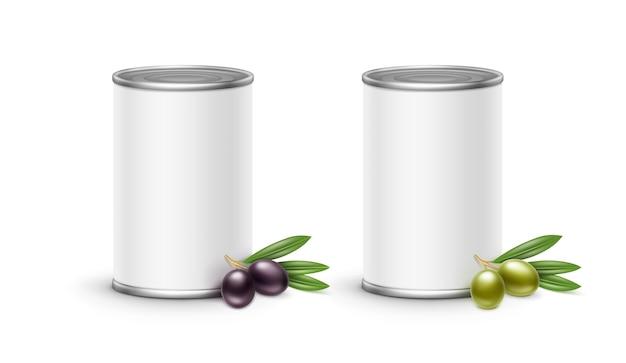 Embalagem de lata de azeitonas. isolado no fundo branco