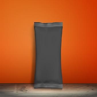 Embalagem preta em branco. pacote de amostra