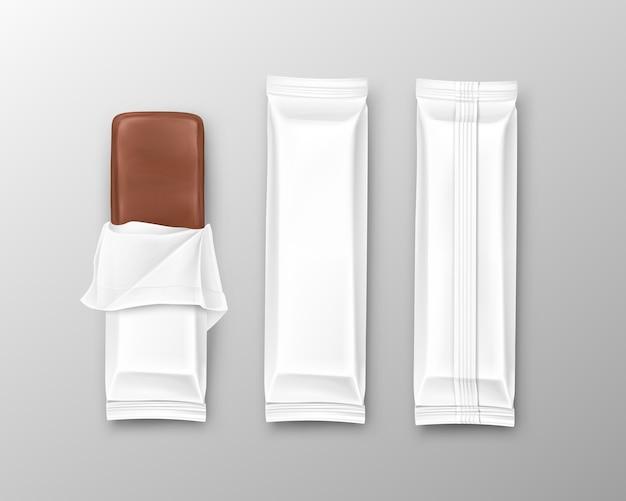 Embalagens de chocolate abertas e fechadas em estilo realista