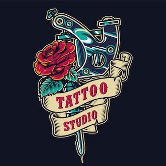 Emblema colorido vintage de salão de tatuagem
