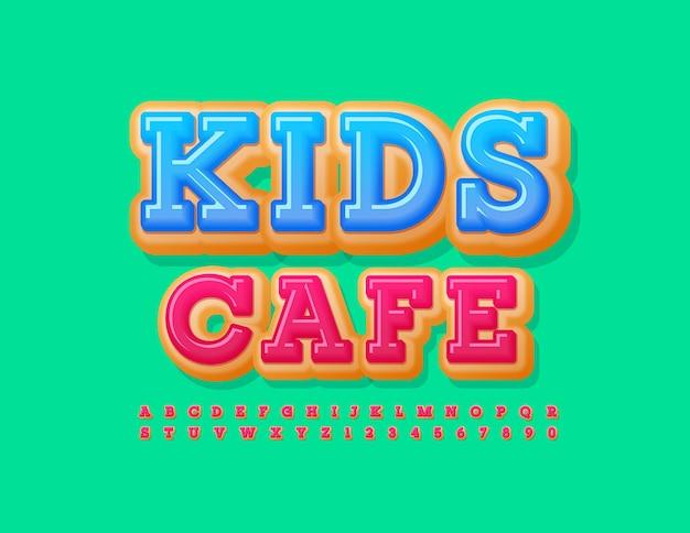 Emblema fofo do vetor kids cafe conjunto de letras e números deliciosos e deliciosos.