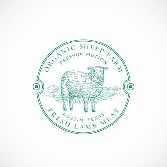 Emblema ou logotipo retro emoldurado de fazenda de ovelhas