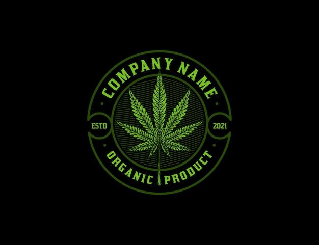 Emblema vintage com logotipo de maconha desenhado à mão, cor verde