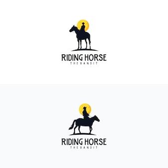 Emblema vintage da silhueta do cavaleiro do cavalo caubói