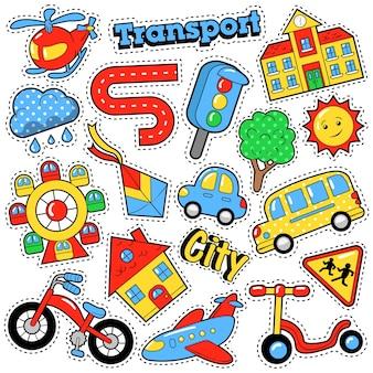 Emblemas, adesivos e adesivos de moda infantil em tema de transporte de cidade de educação de estilo cômico com bicicletas, carros e ônibus. fundo retro