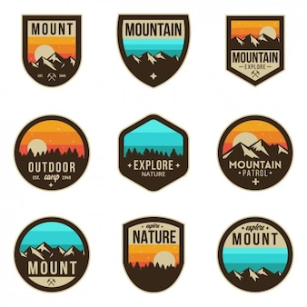 Emblemas aventura coloridos