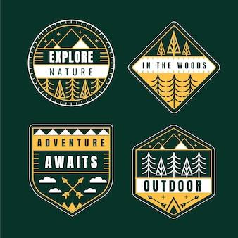 Emblemas de aventura planos coloridos