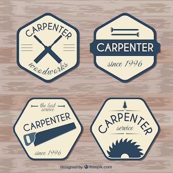 Emblemas de carpintaria com uma textura de madeira