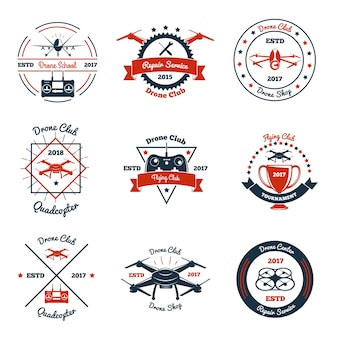 Emblemas de cores com drone, controlador e elementos de design para clube, escola, serviço de reparo, torneio isolado