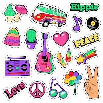 Emblemas de hippie de moda, adesivos, adesivos - van cogumelo guitarra e penas no estilo pop arte em quadrinhos. ilustração