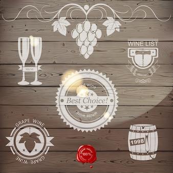 Emblemas de vinho ou logotipo em madeira