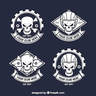 Emblemas do crânio selvagem desenhados mão