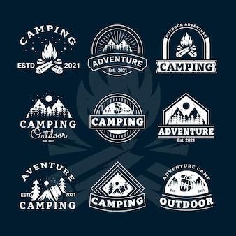 Emblemas retrô de acampamento ao ar livre