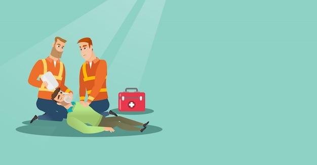 Emergência fazendo ressuscitação cardiopulmonar