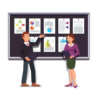 Empreendedores apresentando o plano de negócios inicial
