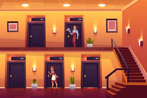 Empregada do hotel e garçom serviço clientes trazendo refeição no quarto e batendo a porta para a limpeza.