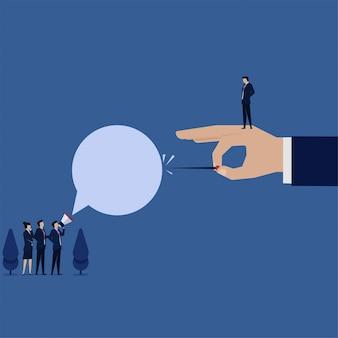 Empregado de negócios vetor plana conceito com megafone falar com gerente e recusar a metáfora da liberdade falar.