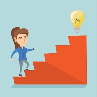 Empresária andando lá em cima para a lâmpada de ideia.