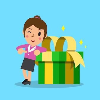 Empresária e caixa de presente