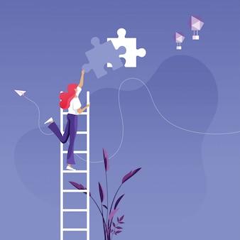 Empresária na escada, instalando a peça final do quebra-cabeça