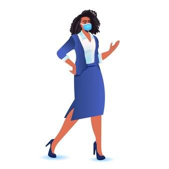 Empresária usando máscara para prevenir pandemia de coronavírus, líder de uma mulher de negócios bem-sucedida