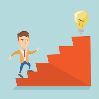 Empresário andando lá em cima para a lâmpada de ideia.