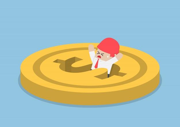 Empresário, caindo no buraco do dólar