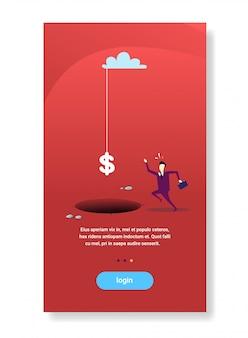 Empresário corre para cifrão caindo buraco abismo problema financeiro crise conceito